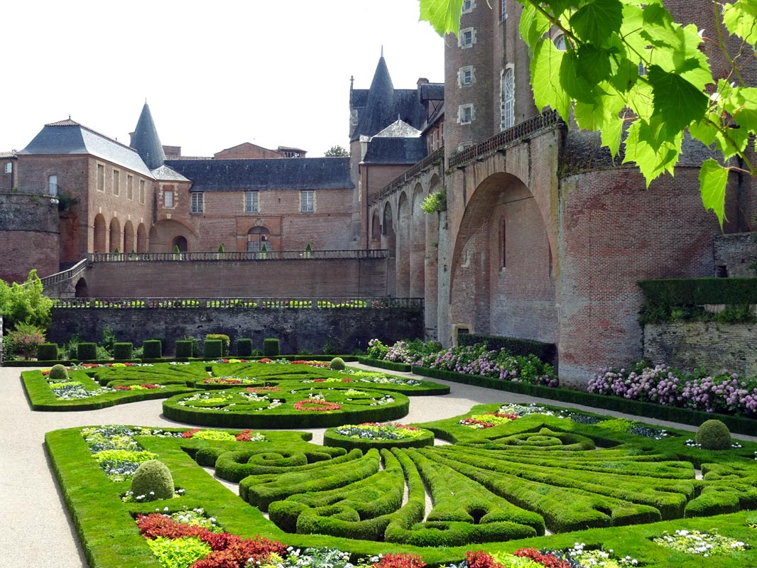 View of the gardens in Albi